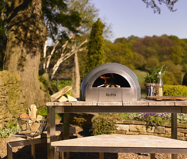 DelVita Pizza Oven in Countryside